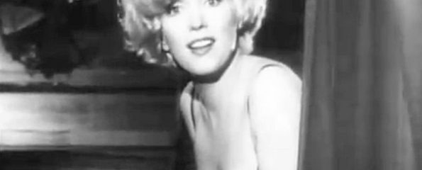Marilyn_Monroe_in_Some_Like_It_Hot_trailer