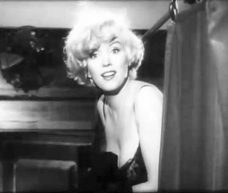 Marilyn_Monroe_in_Some_Like_It_Hot_trailer